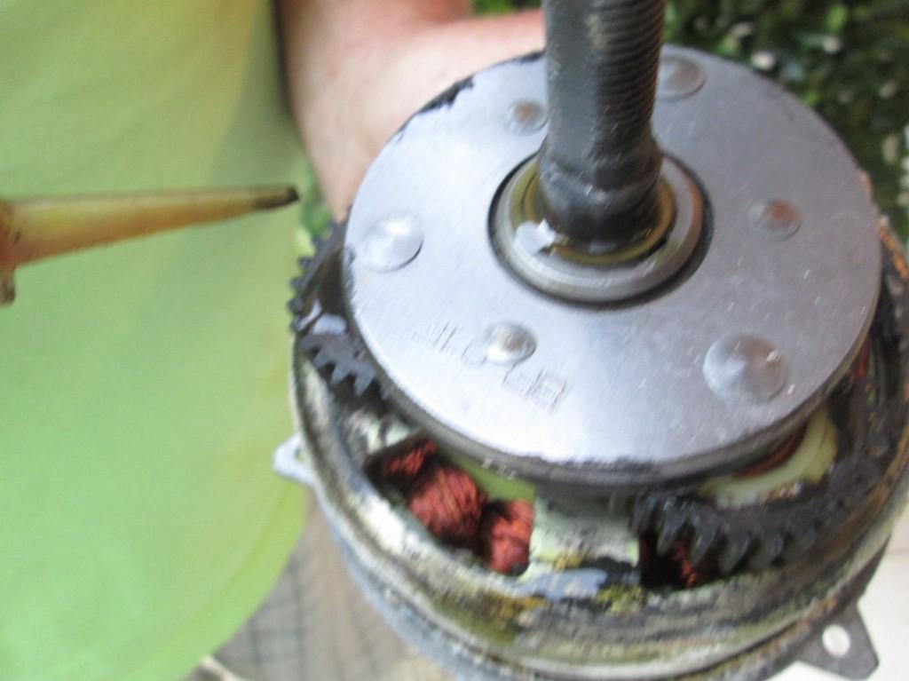 Namastenie hub motoru