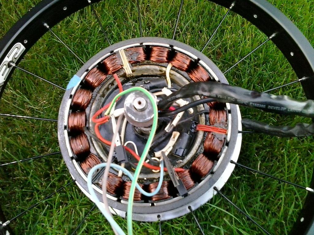 Detekovanie chyby A2B motoru s integrovanou riadiacou jednotkou